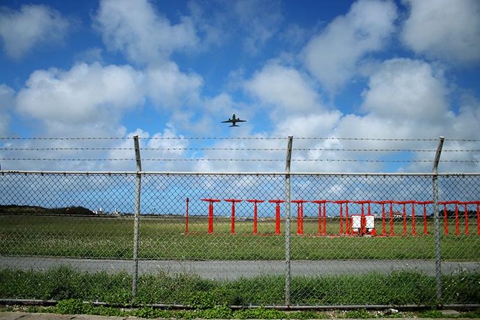 宮古島空港の端っこです